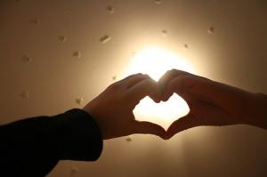 lovehands[1]