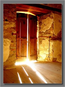 the_light_door[1]