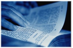 reading-bible-blue[1]