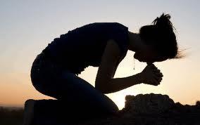 woman-kneeling[1]