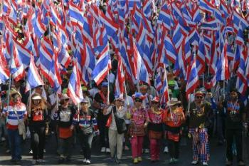 Reuters: Thai Protestors Target Ministries and Threaten Stock Exchange