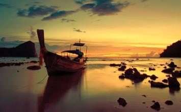 boat-on-the-seashore