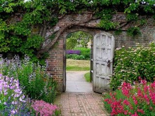english-garden-we-heart-it