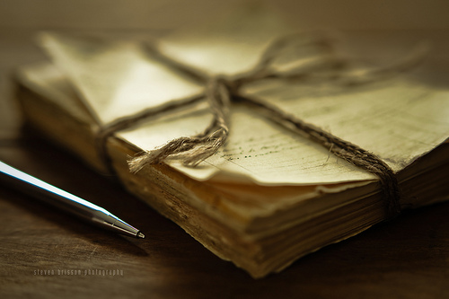 write-famous-love-song-down-and-dedicate_tips-writing-love-letter