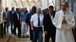 muslims catholics procession